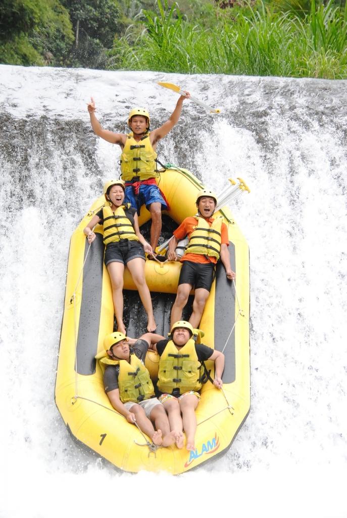 rafting-897151_1920