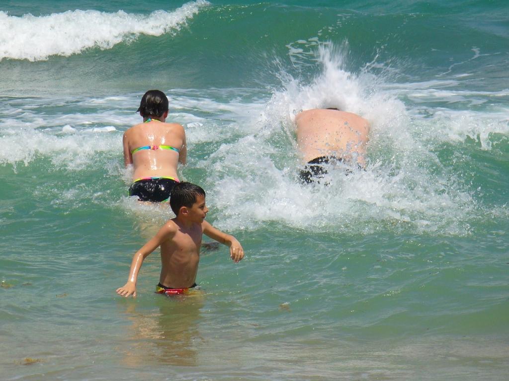 waves-1121563_1280